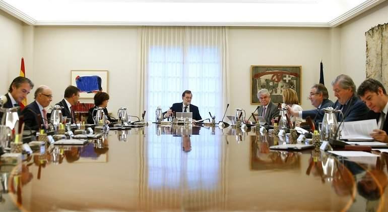 rajoy-consejo-ministros-11oct-moncloa3.jpg