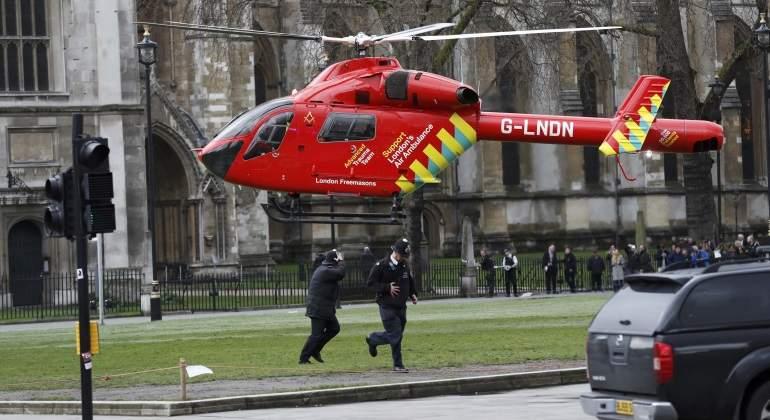 Los helicópteros atienden a los heridos
