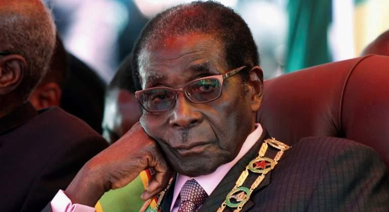 Robert Mugabe, de aclamado liberador de Zimbabue a odiado presidente