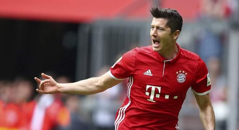 Lewandowksi-celebra-gol-Bayern-2017-reuters.jpg
