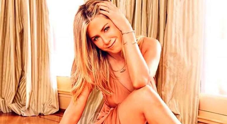 Jennifer Aniston Presume De Bikinazo A Los 49 Años Informaliaes