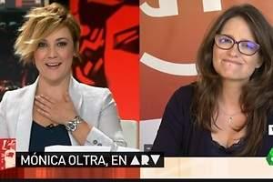 El mal trago de Cristina Pardo ante Mónica Oltra: Me ahogo