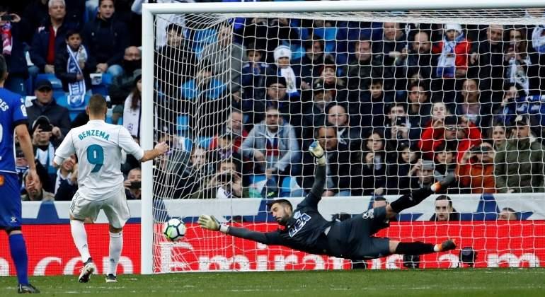 benzema-2018-marca-penalti-reuters.jpg
