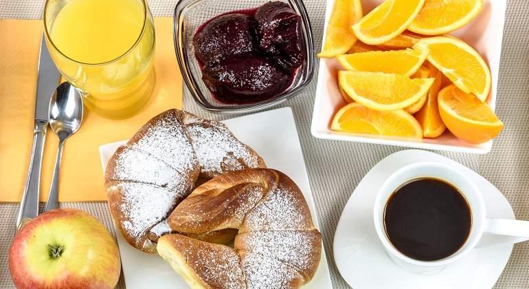 breakfast-hotel-1921530_1920.jpg