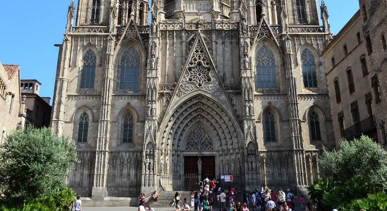 catedral-barcelona-commons.jpg