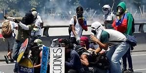 La policía vuelve a reprimir la marcha opositora