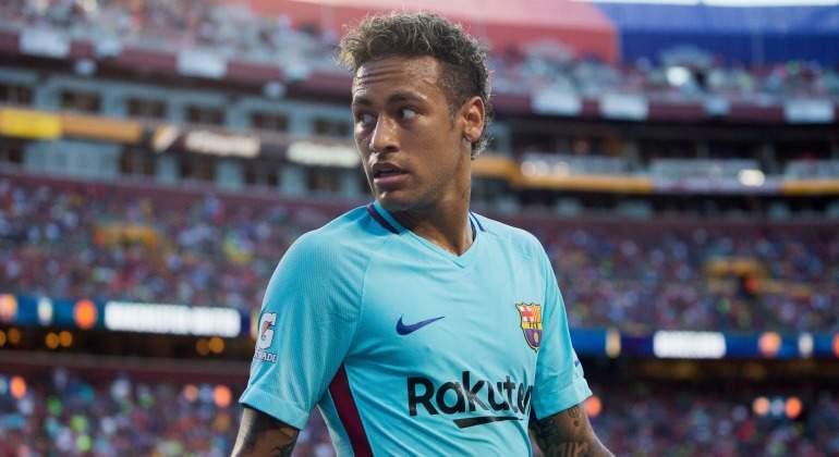 Neymar-mirada-Amistoso-United-2017-EFE.jpg