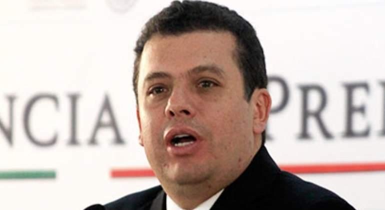 EPN acepta renuncia de Humberto Castillejos