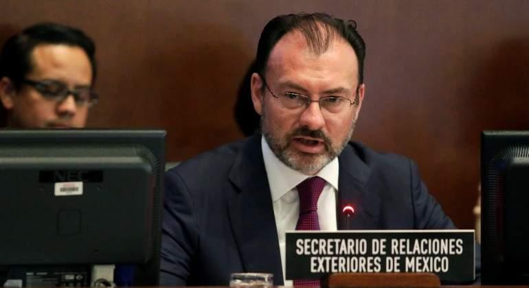 Calderón pide a Peña romper relaciones con Venezuela