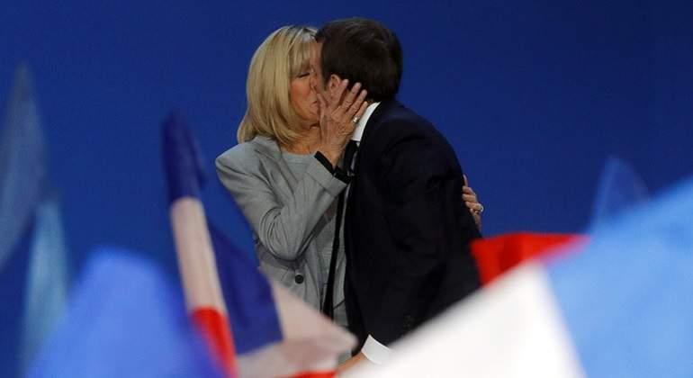 Le Pen promete regresar al franco de ganar segunda vuelta electoral