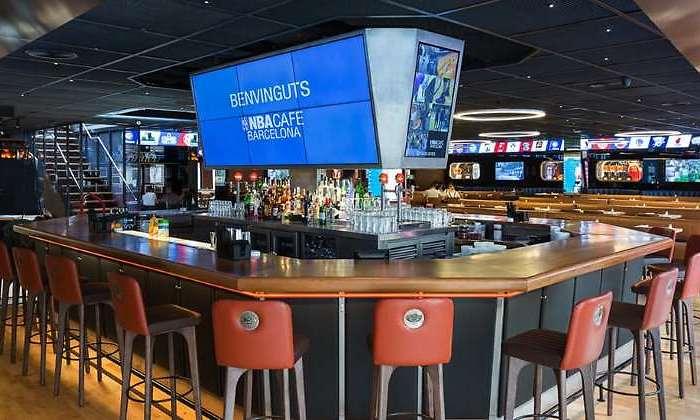 La NBA busca locales en Madrid para abrir su segundo NBA Café en ... 4172b67e733