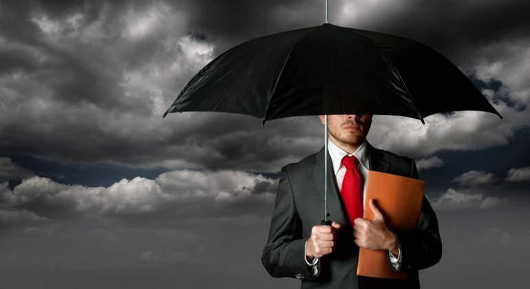 seguro-tormenta-paraguas-770-dreams.jpg