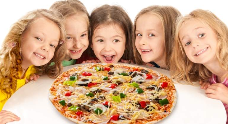 ninos-comen-pizza-dreams.jpg