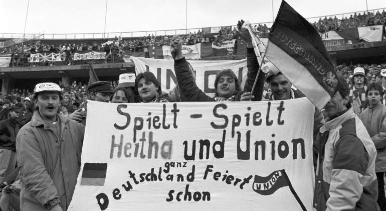 hertha-union-berlin-1990-getty.jpg