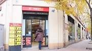 supersol-tienda-clienta-puerta.jpg