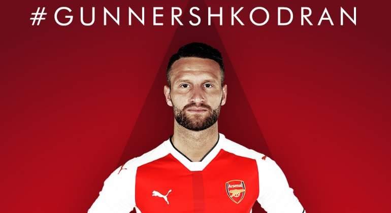 Shkodran Mustafi deja el Valencia y es nuevo jugador del Arsenal