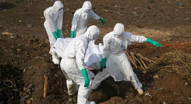ebola-entierro-reuters.jpg