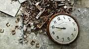 reloj-roto-suelo-tiempo-770.jpg