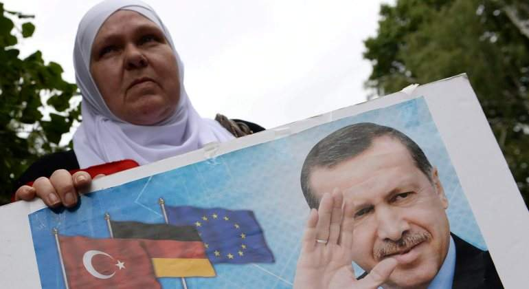 Las militares turcas podrán vestir velo islámico gracias a Erdogan