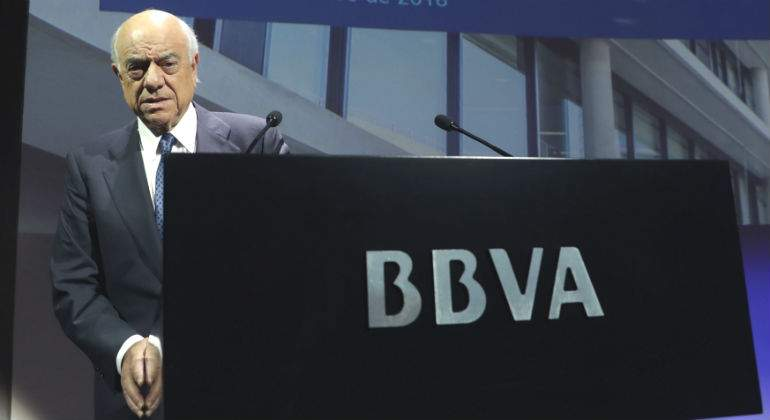 francisco-gonzalez-atril-bbva.jpg