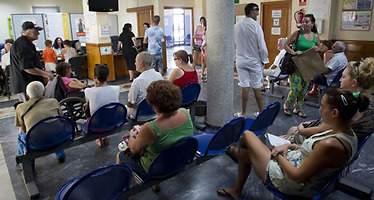 Las listas de espera en C-LM descienden en 20.234 usuarios en agosto