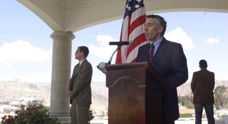 Exembajador de EEUU expulsado por Evo asume funciones diplomáticas en Cuba
