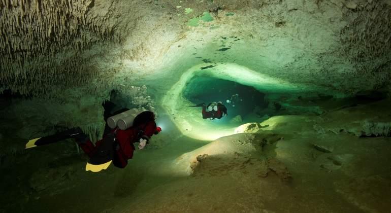 México.- Hallan restos de fauna extinta en una cueva sumergida en México