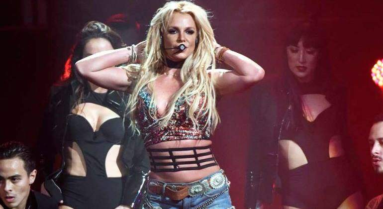 britney-spears-pie770.jpg