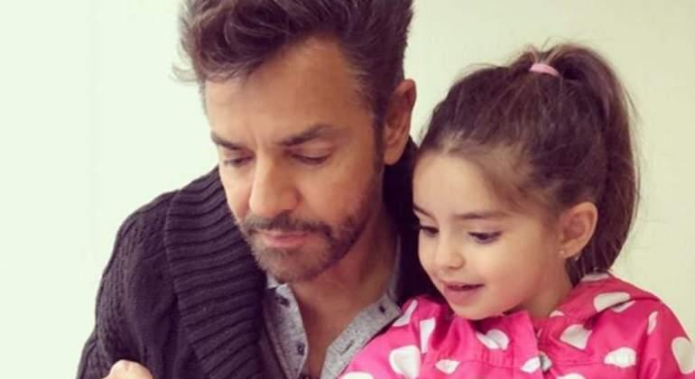 Aitana se queda con muñeca de Kailani por error de Eugenio Derbez