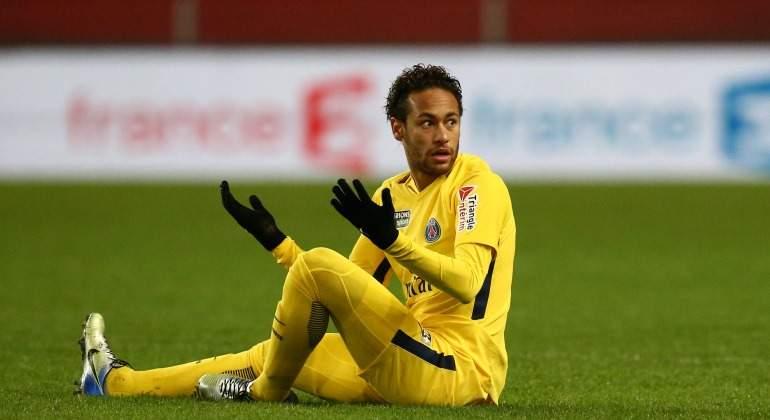 Neymar-reclama-PSG-amarillo-cesped-2018-Reuters.jpg