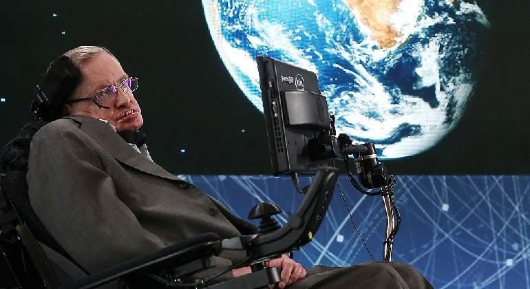 Stephen-Hawking-en-2016