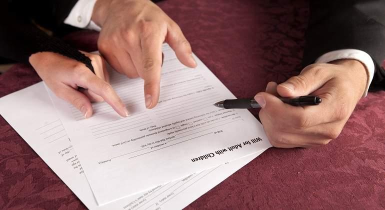 La Justicia anula la fianza de la hipoteca de un notario por abusiva