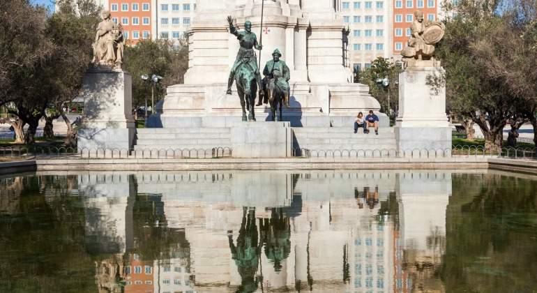 plaza-espana-quijote.jpg