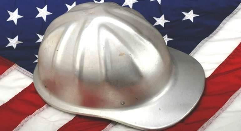 estados-unidos-bandera-casco-empleo-desempleo-dreamstime.jpg