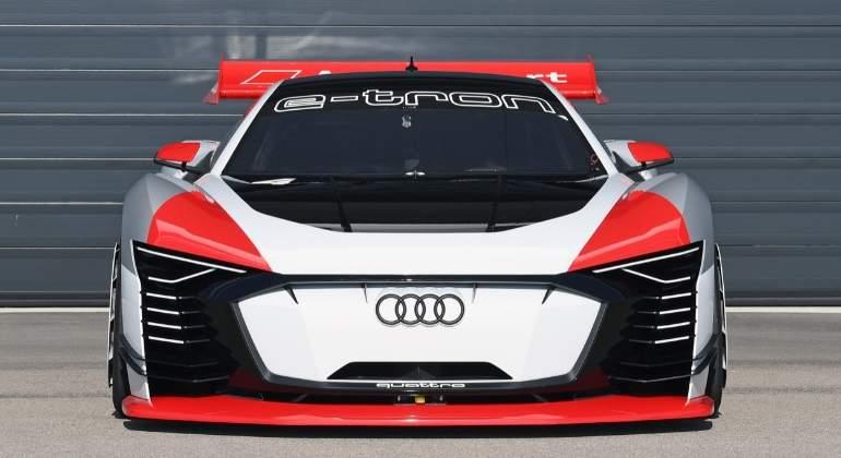 Audi-e-tron-Vision-Gran-Turismo-2018-01.jpg