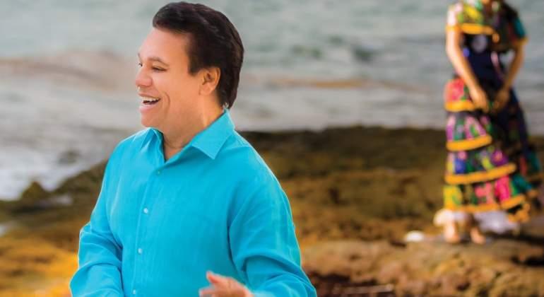 Juan Gabriel será recordado en Latin American Music Awards. Con Javier Poza