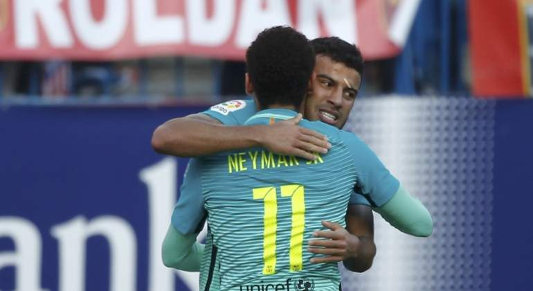 rafinha-neymar-celebran-reuters.jpg