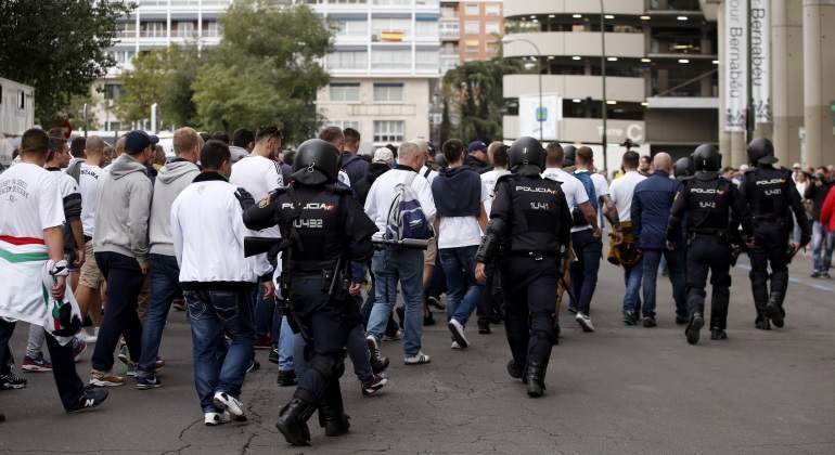 ultras-legia-policia-efe.jpg