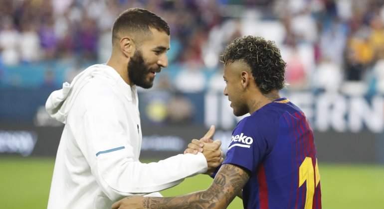 Neymar-saluda-2017-Benzema-efe.jpg