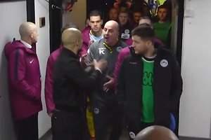 Gran bronca de Guardiola en el túnel...