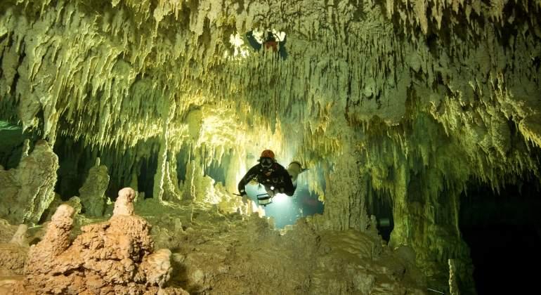 cueva-subacuatica-mas-grande-mundo-reuters.jpg