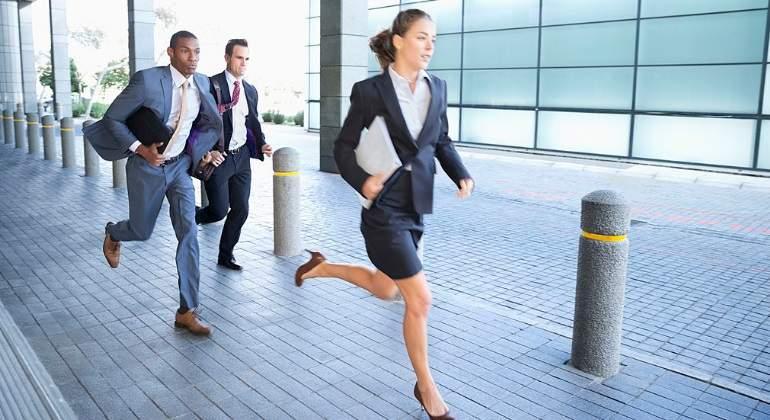 Cómo usar pantalones blancos sin perder la dignidad - economiahoy.mx 77aedf66057a
