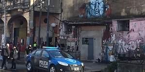 Asesinato múltiple en La Boca: quiso prender fuego a su pareja y terminó matando a cuatro personas