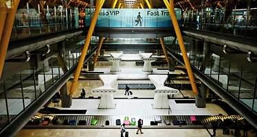 Las excepciones al récord de pasajeros de Aena: once aeropuertos pierden más de la mitad de sus viajeros desde 2007