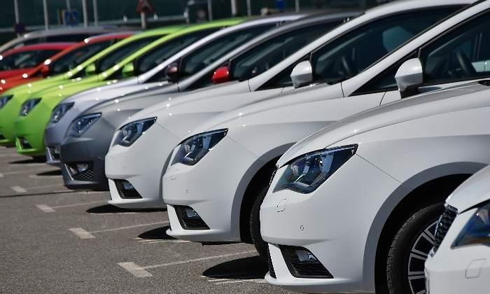 f5f69ebd5 Caída de las ventas de coches: el sector denuncia la confusión por los  mensajes contra el automóvil