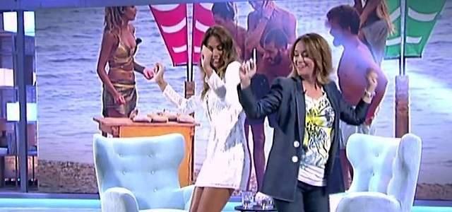 Lara Álvarez canta y baila Despacito con Toñi Moreno...