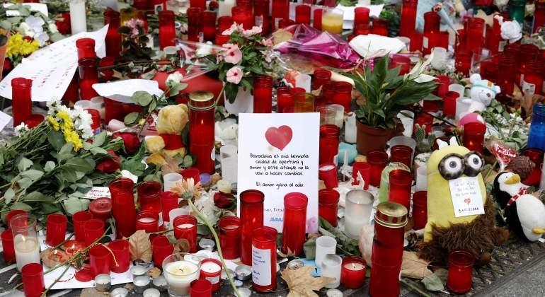 velas-victimas-atentados-barcelona-efe.jpg
