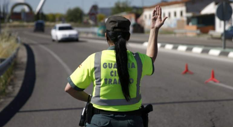 guardia-civil-mujer-efe.jpg