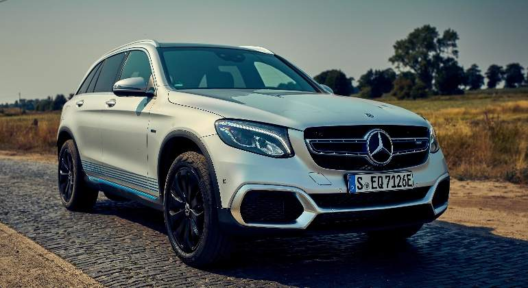 mercedes-benz-glc-f-cell-2018-01.jpg
