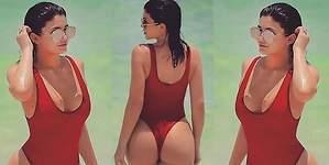Kylie Jenner, muy sexy a lo vigilantes de la playa